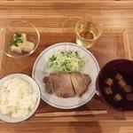 ぷろぼの食堂 - 豚肉の塩こうじ焼き