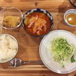 ぷろぼの食堂 - ベーコンと白菜のトマトスープ