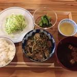 ぷろぼの食堂 - レバニラ炒め