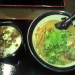 麺屋 伊織 - 醤油ラー麺&チャーシュウ丼