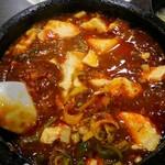 味覚 - 麻婆豆腐中辛 激ウマ!、思っていた程の辛さでは無かったけど、これが中辛の本当のスペックなのか怪しい。