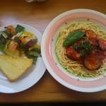 リンデン - 「なすとベーコンのトマトスパゲッティセット」1000円。