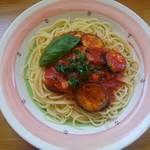リンデン - なすとベーコンのトマトスパゲッティ。