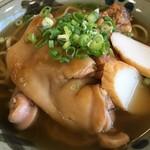 元祖 海ぶどう - 三味そば(三枚肉・ソーキ・テチビ)の三種 880円