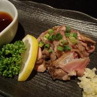 首里食堂 - コリコリ親鶏の冷製ポン酢~550円