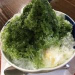 茶亭 萬屋 - 氷は昔ながらのザクザク系