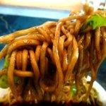 南京亭 - 焼きそばの麺