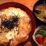 弥生 - 親子丼600円