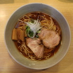 山崎麺二郎 - らーめん(650円、真上から)