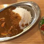 70319918 - エッグカレー(辛口) ¥650 + 野菜サラダ(A) ¥150