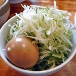 麺屋 陣丸 - 節醤油極め(大盛り)+白髪ネギトッピング
