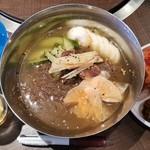 中央市場 - 冷麺 842円