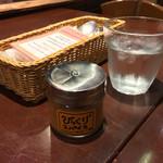 ベアーフルーツ - ベアーフルーツ(BEAR FRUITS)(福岡県北九州市門司区西海岸)テーブル