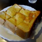 グリル佐久良 - 厚切りトースト300円