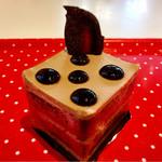 POLKA DOT ~Sweet bar~ - 水玉ショコラ@かなり甘めのチョコレートレイヤーケーキ