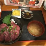 70326849 - 【築地まぐろ丼…750円】2017/6