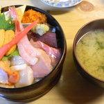 誉寿司 - ちらし寿司 上 2200円