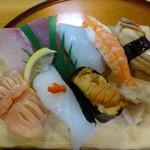 寿司本家 げんもん - 料理写真:◆主人は「上にぎり(2000円)」を。「茶碗蒸し」と「お吸い物」が付きます。
