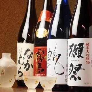 こだわりの料理と抜群の相性!選りすぐりの日本酒をご用意◎