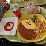 ハピネス・カフェ - ミニオン・オムカレープレート1,890円とフロマージュブラン500円