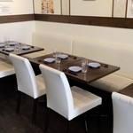 酒・蕎麦 田治 - 2〜4名様のお席です。