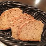 ラメーラ(la mela) - 自家製パン