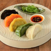 辺銀食堂 - 五味五色の水餃子