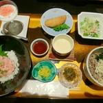 レストラン屋久杉 - 7月8日は「鮪たたき丼と冷やし蕎麦」