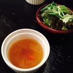 ハナファームキッチン - セットのコンソメスープとプチサラダ
