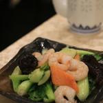 中国美食 唐苑酒楼 - 蝦と青菜の塩炒め