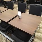 TKPカフェ&バンケット - テーブル席