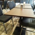 TKPカフェ&バンケット - 余裕ある席数です