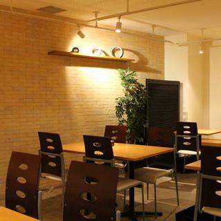 カフェ風のおしゃれで可愛らしい空間で、女子会、韓国宴会に♪