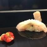 弁慶 - 赤西貝、地アラ握り、夏鰈の三種盛り
