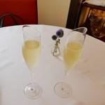 レストラン シェ ムラ ブル リス - ドリンク写真:ノンアルコールのスパークリングワイン