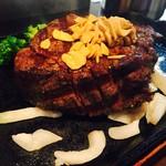 いきなりステーキ - ヒレステーキ g9円→325gで2925円+税をレアで。付け合せをブロッコリーにチェンジ