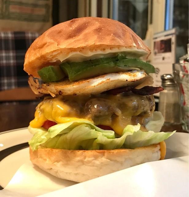センターフォーハンバーガーズ - クアトロバーガー 税込1,340円