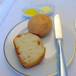 神椿 - ミートクロケットにつくパン