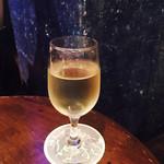 スターパインズカフェ - 白ワイン グラス¥650
