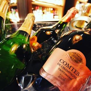 国際ソムリエが選ぶ100種類以上のワイン!