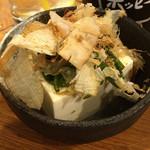 壱ノ宮 - お通し(めかぶ冷奴)300円