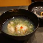 平花とんぼ - 牡蠣と海老のお椀