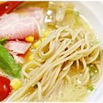 70373958 - コシも風味もバツグンの麺です。