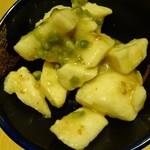 和民 - 山芋の焦がしネギわさび和え