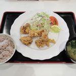 キッチンぴなこ - 料理写真:鶏もも肉のフルーティー唐揚げ定食(2017/07/21撮影)