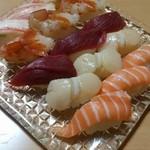 料理やFuji - 寿司盛り合わせ