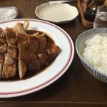 自由軒 - 料理写真:肉ライス