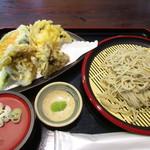 るーらるはうす - 料理写真:二八そばと野菜天ぷら