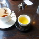 メフィストフェレス - サービスのお茶
