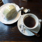 メフィストフェレス - メロンロール240円、サイフォンコーヒー400円
